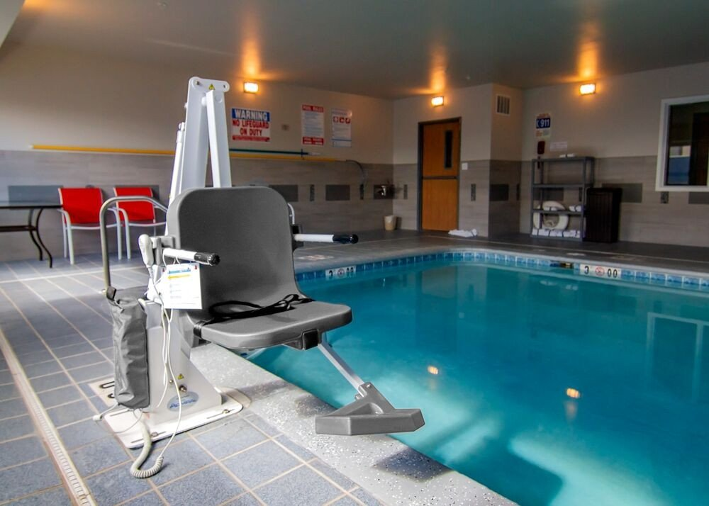 Aqua Creek Admiral - ADA Compliant Pool Lift - F-ADMRL