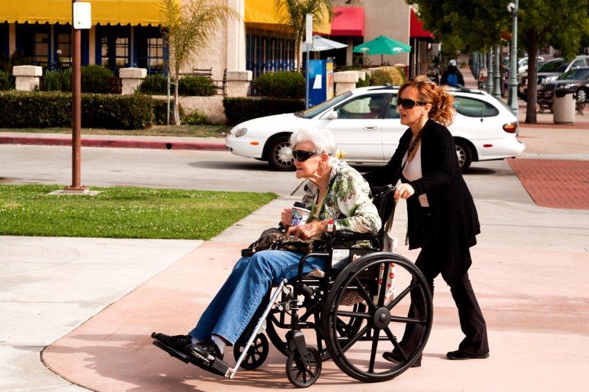 Wheelchair Handling Safety Tips